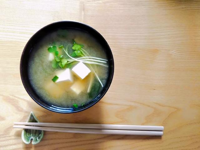 親子丼にもう一品合うおかずやスープ
