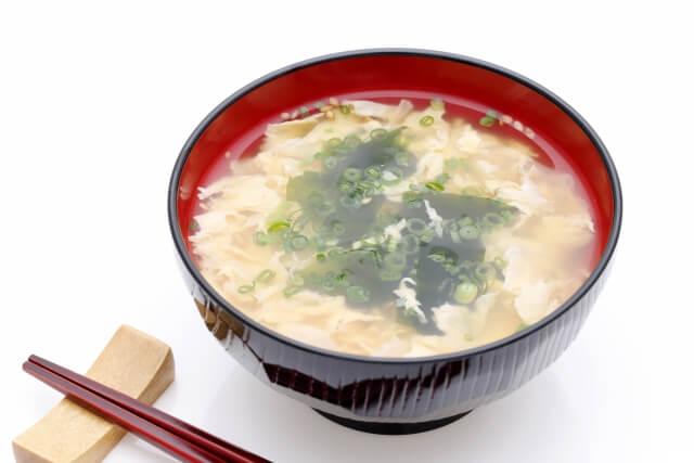 照り焼きチキンにもう一品合うおかずやスープ