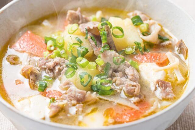 里芋の煮っころがしメインの献立は?付け合わせに合うおかずやスープはこれ!